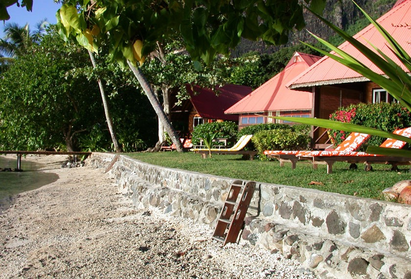 Beach Bungalows at the guest house Fare Vaihere on Moorea island