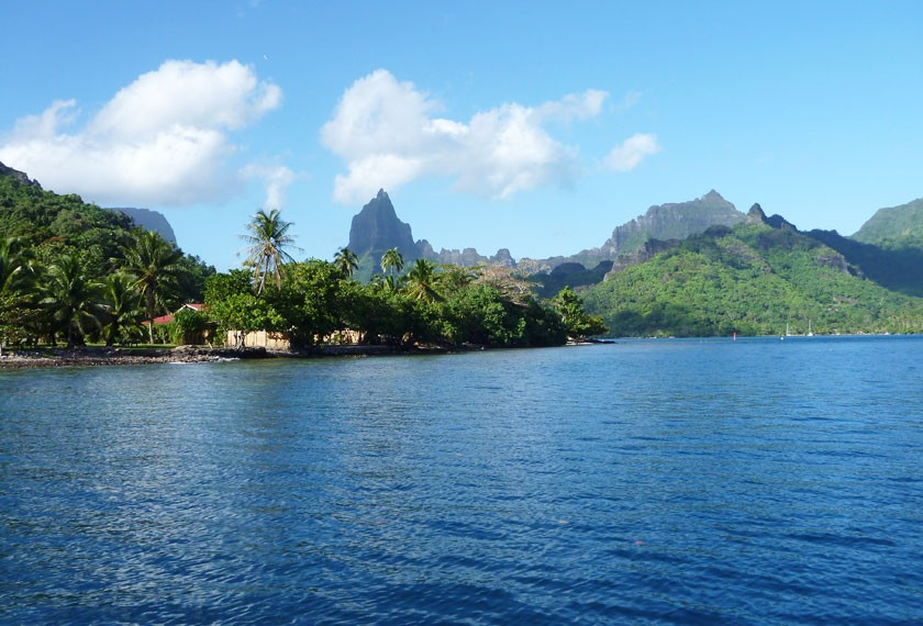 View on Moorea's mountains from the lagoon