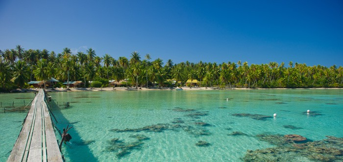 Vacations in Ahe, one of the south pacific islands