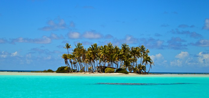 Private islet on the lagoon of Rangiroa