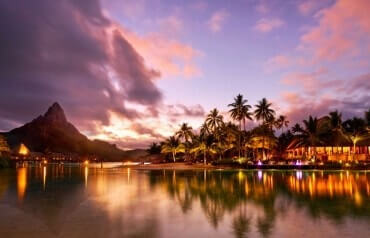 Moorea and Bora Bora honeymoon in luxury resorts (with Half Board) - 7 nights