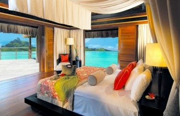 Romantic Vibrations in Bora Bora